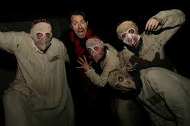 halloween horror nights scream jonathan ross takes fright in sussex halloween scream park