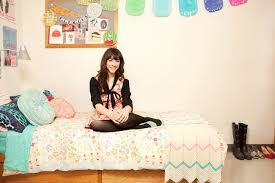 tour college student gabby noone u0027s dorm room teen vogue