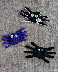 diy kid halloween keepsake handprint spiders