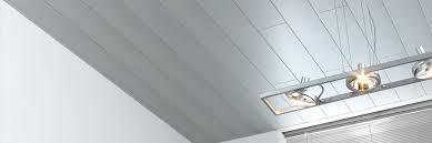 revetement plafond chambre charmant revetement plafond chambre avec panneaux de plafonds