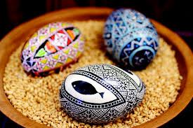 ukranian egg decorating shelling out advice learn to decorate ukrainian style eggs
