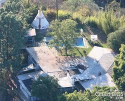 Backyard Teepee Miley Built 25k Teepee In Her Backyard Oceanup Teen Gossip