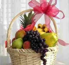 fresh fruit basket delivery the fresh fruit basket gift baskets delivered ky candy