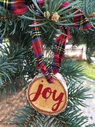 10 minute wood slice ornament and more diy ornaments gun