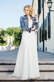 coole brautkleider brautkleid mit atemberaubendem dekolleté und tiefem rücken