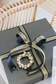 10 easy christmas gift wrapping ideas to take your presents to the