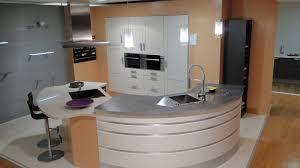 plan de travail arrondi cuisine la cuisine arrondie dans 41 photos pleines d 39 id es plan de