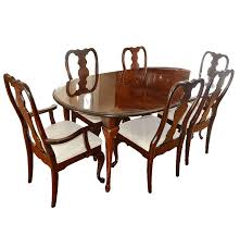 queen anne style dining table and chairs by kincaid ebth