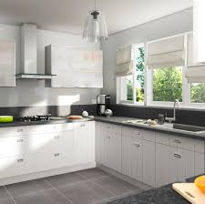 castorama cuisine amenagee cuisine équipée bois blanc cuisine en image