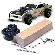 amazon com woodland scenics pine car derby car kit basic arts
