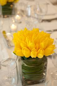 Baby Shower Flower Centerpieces by Best 20 Yellow Flower Centerpieces Ideas On Pinterest Yellow