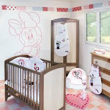 chambre minnie collection minnie de babycalin pour une chambre bébé thème