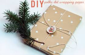 fancy christmas wrapping paper 20 gift wrapping ideas paper crafts tip junkie