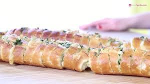 cuisine notre famille à l ail ou garlic bread à la mozzarella pour l apéro