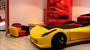 chambre enfant formule 1 le lit voiture pour la chambre de votre enfant lit voiture