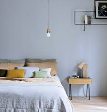 comment disposer les meubles dans une chambre les règles d or pour aménager une chambre