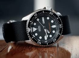 amazon black friday specials on seiko mens watches 2017 seiko automatic skx007k u2013 the most affordable divers watch