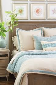 how to arrange pillows on bed how to decorate