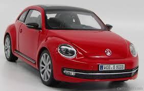 volkswagen new beetle red welly 18042r scale 1 18 volkswagen new beetle 2012 red