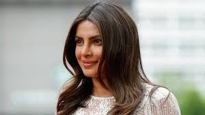 lob haircut pictures priyanka chopra debuts new cute wavy lob haircut stylecaster