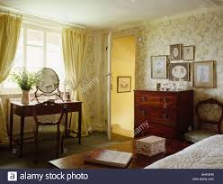 Yellow Curtains For Bedroom Pastel Yellow Curtains In Traditional Country Bedroom With