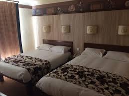 chambre hotel cheyenne hotel cheyenne chambre best disney s hotel cheyenne photos