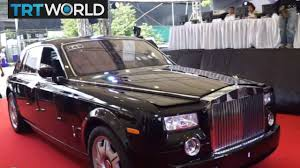 roll royce thailand money talks thai customs officials auction off stolen cars youtube