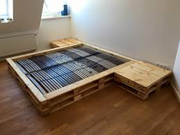 Making A Platform Bed From Pallets by Pallet Platform Bed With Nightstands Pallet Furniture Diy