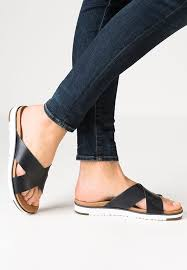 ugg boots bailey bow schwarz sale uggs mini bailey button cheap ugg kari sandals black