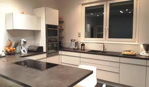 cuisine moderne taupe cuisine blanche mur taupe 6 cuisine am233nag233e r233alisations