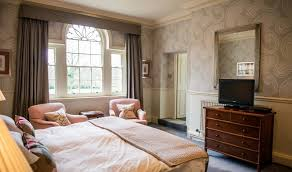 Superior Hotel Room In Abberley The Elms - Hotel rooms for large families