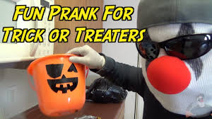 funny halloween pranks trick or treat basket prank how to prank halloween pranks youtube