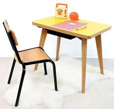 chaise bureau jaune ensemble petit bureau jaune et sa chaise ées 60 and