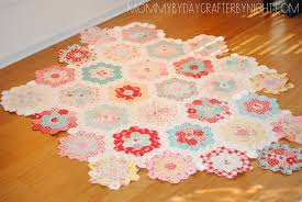 flower garden quilt pattern mommy by day crafter by night english paper piecing a little