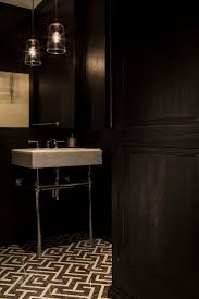 Black And White Bathroom Decorating Ideas by Best 10 Black Bathrooms Ideas On Pinterest Black Tiles Black