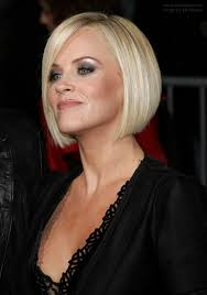 does jenny mccarthy have hair extensions jenny mccarthy wearing her hair straight and bobbed just below her