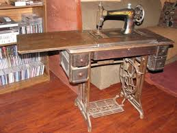 Singer Sewing Machine With Cabinet by 180 Best Sewing Machines Images On Pinterest Sewing Machine