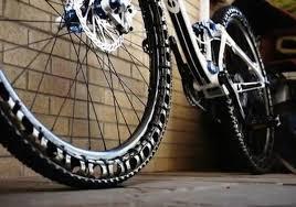 chambre à air de vélo fini les crevaisons avec cette roue de vélo sans chambre à air