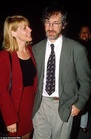 does kate capshaw have naturally curly hair steven spielberg and kate capshaw look more in love than ever