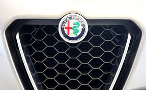 alfa romeo emblem vilniuje pristatytas pirmasis u201ealfa romeo u201c visureigis u201estelvio