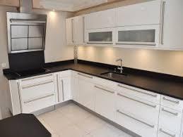 cuisine granit noir plan de travail granit noir noir lash lounge lonsdale hours meaning