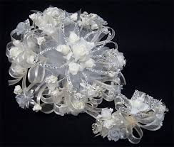quinceanera bouquets heidicollection white quinceanera bouquet