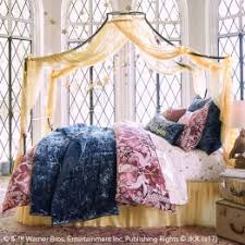 Bedroom Bed Furniture by Teen Bedroom Furniture Pbteen