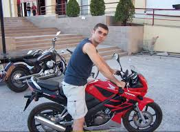honda cbr 125 r sportbike rider picture website