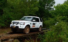 racing land rover land rover catalonia experience land rover discovery 4 hse photo