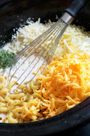 slow cooker macaroni and cheese with 6 cheeses