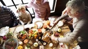 60 restaurants open on thanksgiving day 2017 gobankingrates