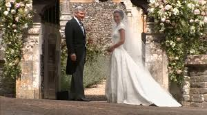 fashion world praises pippa middleton u0027s wedding gown