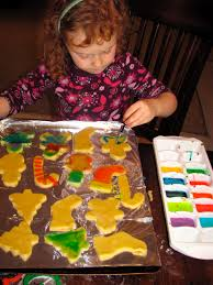 totally want to try this painting the sugar cookies with