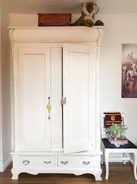 chambre secr鑼e comment cette maman a transformé un placard en une chambre secrète